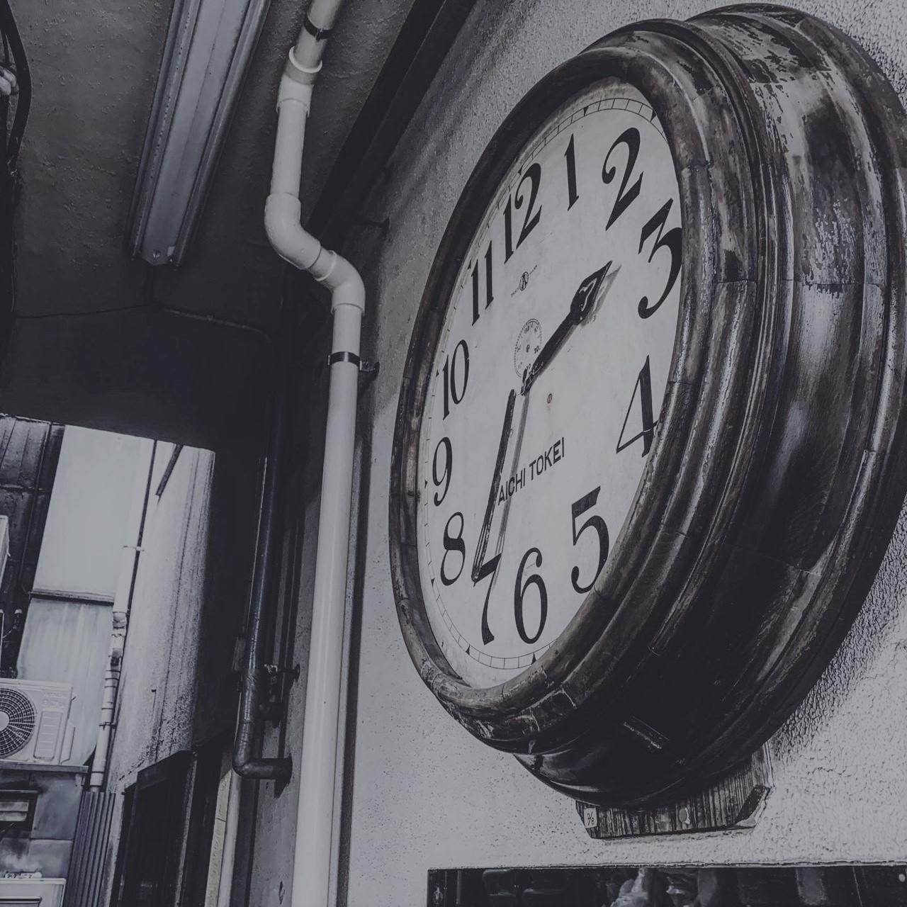 築地ペッパーズカフェ時計